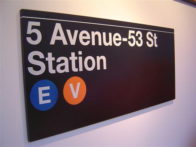 newyrok-subway-signs.jpg
